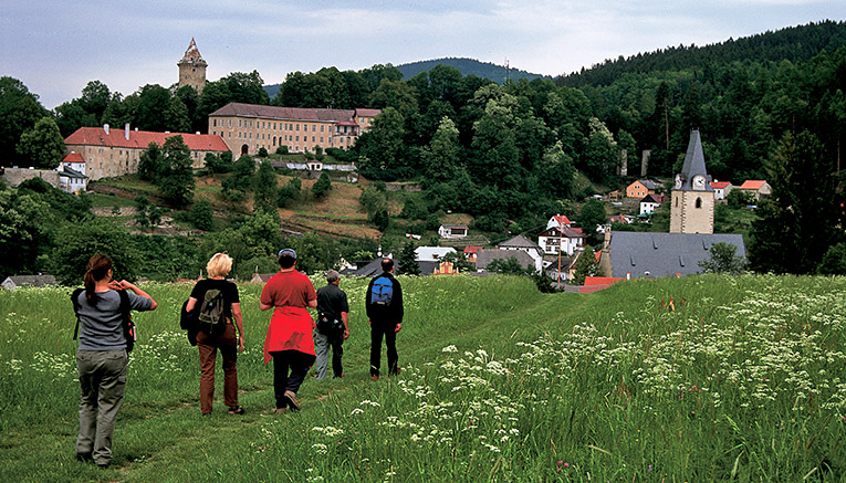 Wzaq-czech-republic-walking-8